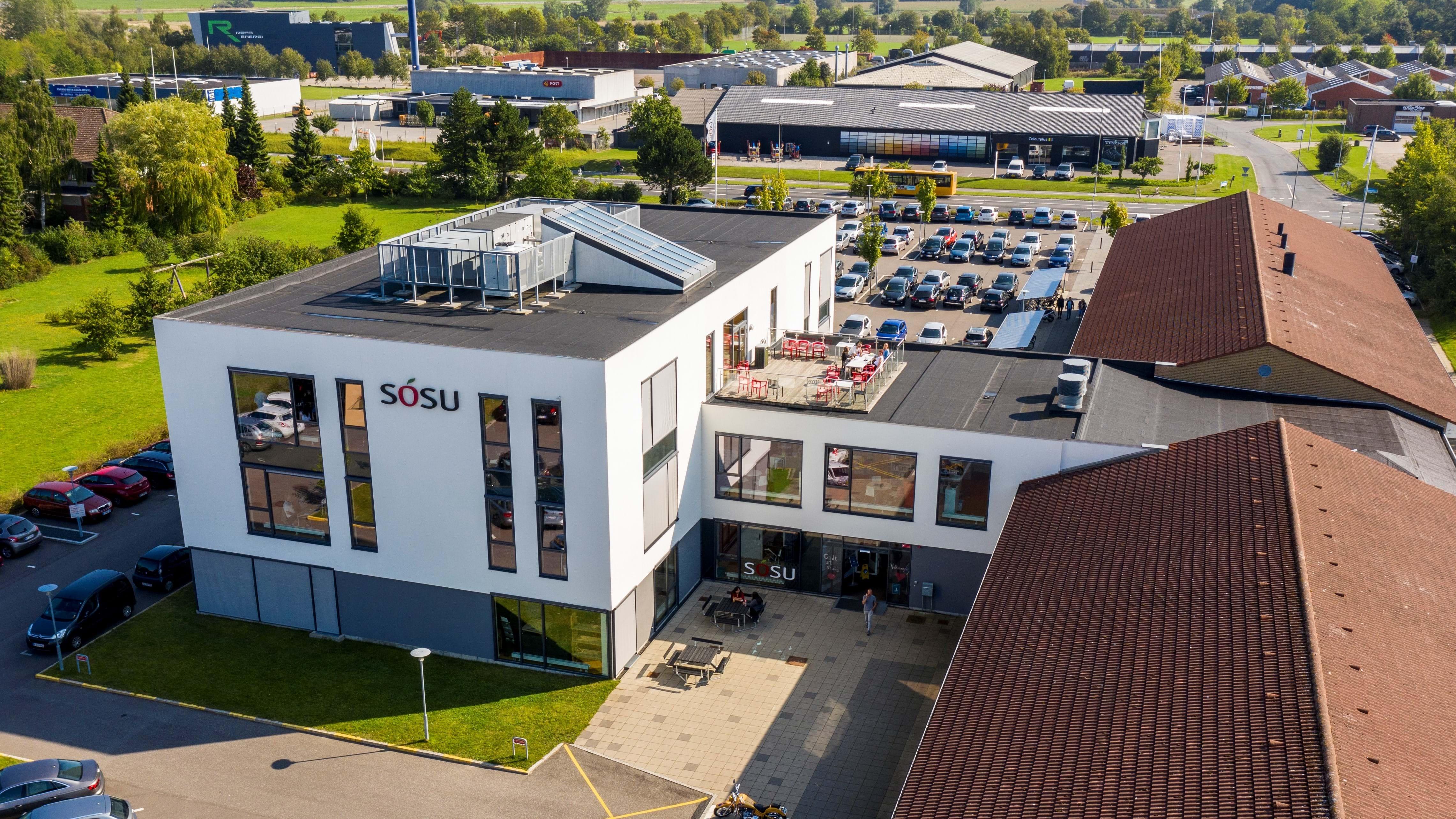 Luftfoto af SOSU-skolen i Nykøbing Falster.